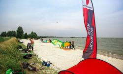 VDWS kiteinstructor interns (instructor and assistant) at KBC HINDELOOPEN
