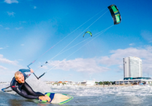 Kite- und Windsurflehrer fur Sommer 2019 at Supremesurf